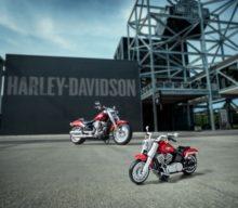 Vă place Harley-Davidson Fat Boy? Acum puteți construi unul din LEGO