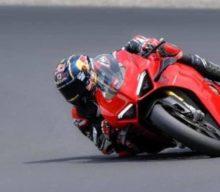 Piloții din MotoGP au ieșit pe pistă cu motocicletele de serie