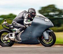 Cu motocicleta la 483 km/h: Guy Martin vrea recordul mondial [VIDEO]